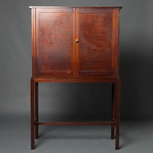 antique-display-cabinet-2