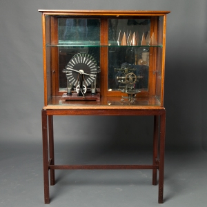 antique-display-cabinet-7