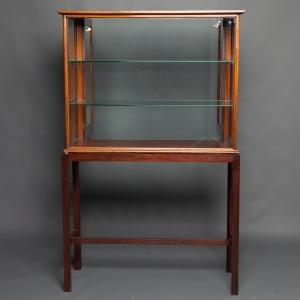 antique-display-cabinet