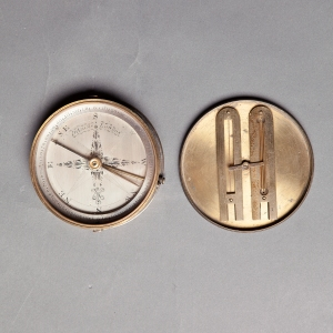 antique-compass-dudley-adams-3