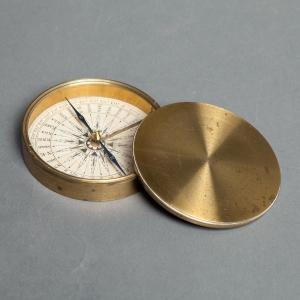 antique-pocket-compass-3