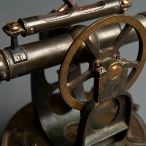 antique-theodolite-5