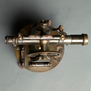 antique-theodolite-7